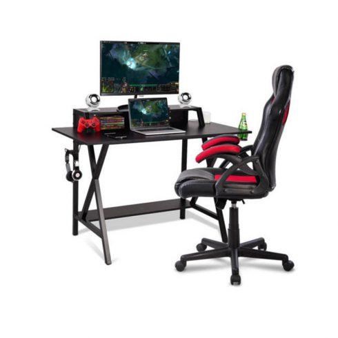 Birou gaming cu diferite suporturi, porturi USB si conectori de retea